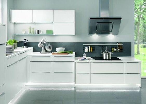 Weiße Küche mit individueller Ausstattung bei Möbelix online kaufen