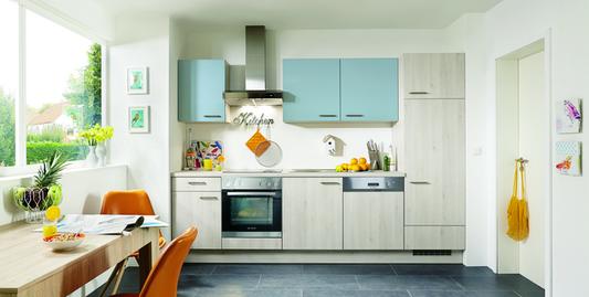Kleine küchenzeile im klassischen stil