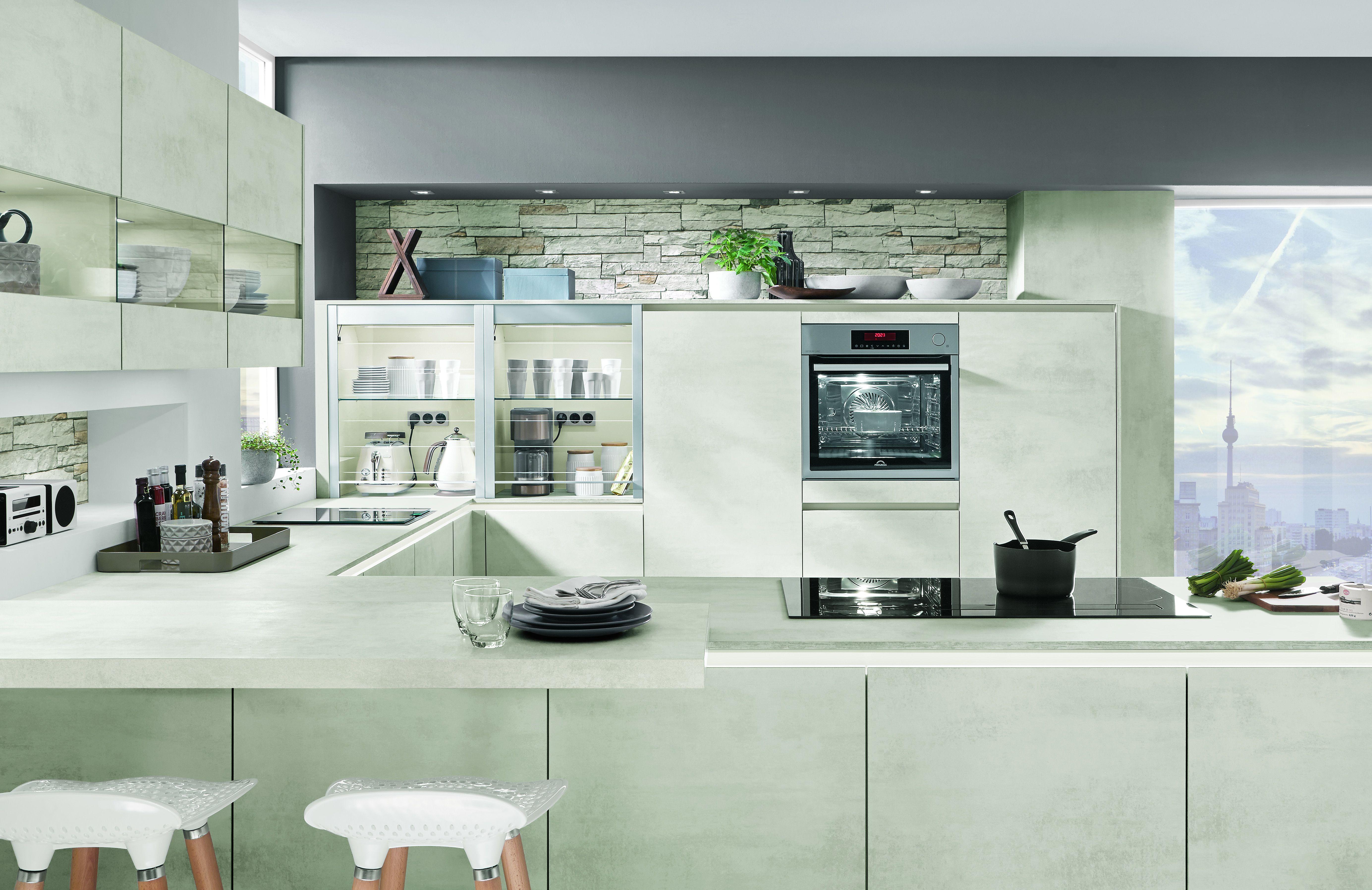 Malerisch U Küche Foto Von Moderne U-küche In Heller Farbe